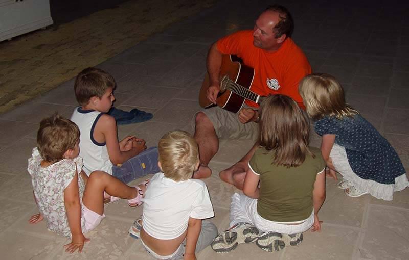 1 Kids singing